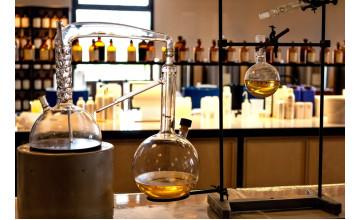 Секрети змішування ароматів для любителів експериментувати